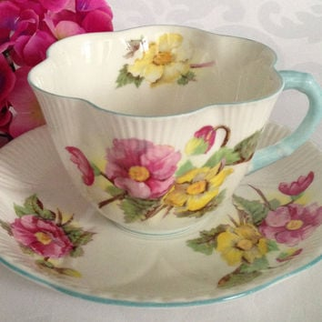 Shelley Begonia Dainty Tea Cup / Floral Tea Cup / Fine Bone English China / Vintage Tea Cup / English Tea Party / Vintage Tea Set