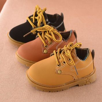 2017 autumn new fashion yellow leather short section students black Martin boots child
