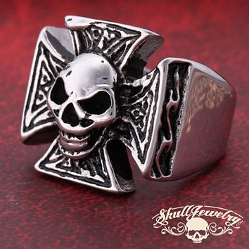 'Cynical Skull' Cross Ring (013)