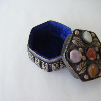 Vintage Ornate Small Silver Hexagonal Box Agate Multi Colored Stone Boho Bohemian Home Decor India Jewelry Keepsake Trinket Gypsy Ethnic