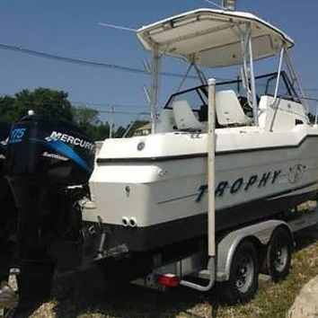1996 Bayliner Trophy 2502 25 ft Cabin Boat Twin Mercury 175 HP Outboards 9.5 Ft