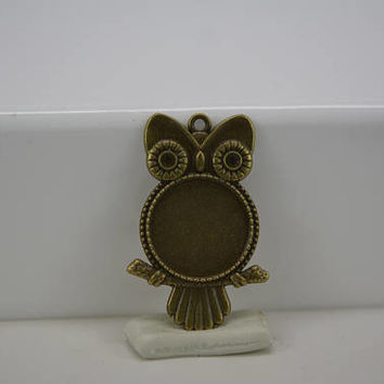 Antique Bronze Night Owl Round Base Setting Tray Bezel Pendant Charm, Owl Charm Bezel, Bezel Charm Round, 20mm round bezel