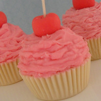 Pink Cupcake Candle Vanilla Butterc.. on Luulla