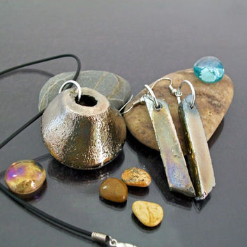 Parure - necklace / pendant and earrings - raku ceramic - gold and silver