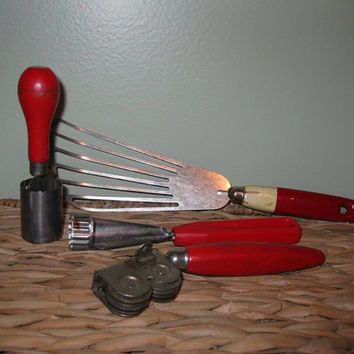 Vintage Red Handle Kitchen Tools / Food Prep / Batter Beater / Mid Century Modern / Vintage Kitchen
