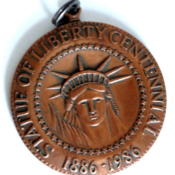 Statue Of Liberty Centennial Souvenir,  Limited Edition Coin Collectible, From the Commemorative Mint, USA Patriotic Key Chain Copper Tag