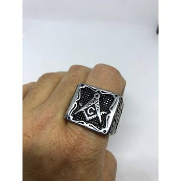 Start Your Holiday Shopping!!! Vintage 1980's Gothic Silver Stainless Steel Free Mason G Men's Ring
