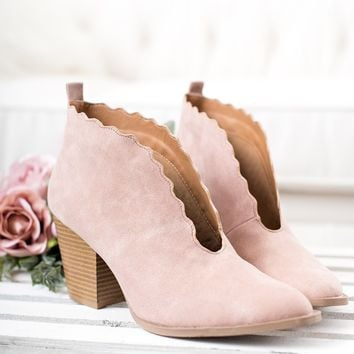 Tayen Scalloped Bootie (Blush)