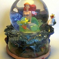 Fantasies Come True - Disney collectibles and memorabilia - Little Mermaid musical snowglobe (used) - Ariel Flounder Prince Eric Scuttle Sebastian