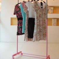 86cm Wide Pink Garment Rack with Adjustable Bar Clothes Rack Organizer on Wheels