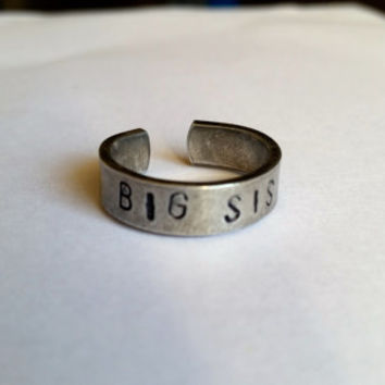 Big Sis Wrapped Ring, Hand Stamped Sister Rings, Adjustable Cuff Ring, Gift Ideas for Sisters, Sister Rings, Aluminum stamped ring