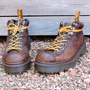 Dr Martens England boots womens 7 / vintage Doc Marten AW004 hiking boots / brown leather grunge lace up ankle boots