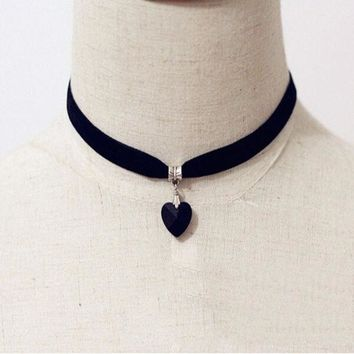 ONETOW Vintage Black Velvet Choker Crystal Heart Pendant Gothic Handmade PUNK Necklace (Size: 35 cm, Color: Black) = 1946157764