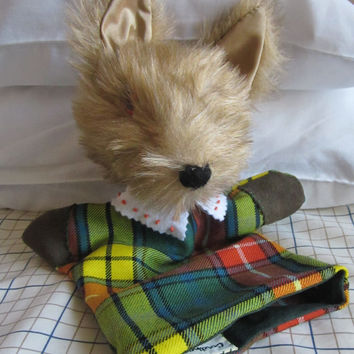 OAAK Plush Coyote Hand/Glove Puppet Golden Fur Activity Toy Buchanan Tartan Yellow and GreenWoollen Stocking Stuffer Gift for Boys or Girls