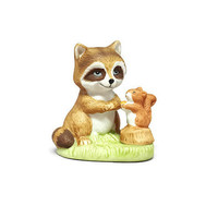 Raccoon, Woodland Nursery, Squirrel, Raccoon Figurine, Squirrel Figurine, Homco Raccoon Squirrel Raccoon Figurine, Vintage Woodland Decor