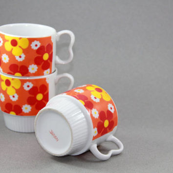 Retro Bright Flower Stackable Mugs, Set of 3, Made in Japan, Vintage Mod Flower Mugs, Red, Orange, Yellow Daisies