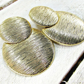 Vintage Big Gold Earrings, Huge Extra Large Earrings, MOD Round Circle Earrings, Clip-on Earrings, 1960s Vintage Statement Jewelry Earrings
