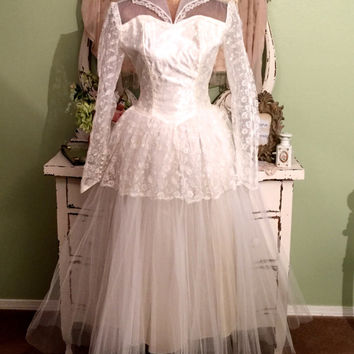 50s VTG Wedding Dress, Ballerina Princess, Ivory Tulle Gown, Long Sleeve Fairy Dress, High neck Lace Dress, Vintage Bridal Gown, Extra Small