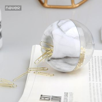 Never Marble Design Paper Clips Apple Shaped Photo Clip Holder Gold Metal Cute Paper Clips Office Accessories Stationery Store