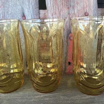 7 vintage Colonial Tulip yellow 12 oz tumblers by Anchor Hocking, MCM yellow glasses tumblers, retro bar glasses, vintage spring table glass