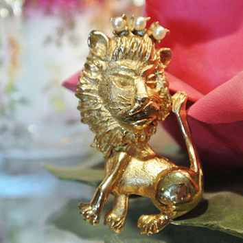 1960s HOBE Brooch 3D Lion Faux Pearl Crown Pin Mid Century Big Cat Kitty King Animal Jewelry Retro Mod Designer Signed 1960s 60s HOBE Brooch