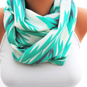 TEAL CHEVRON SCARF, turquoise green eternity scarf, aqua infinity scarf, Beautiful chevron scarf, great gift idea, zig zag print loop scarf