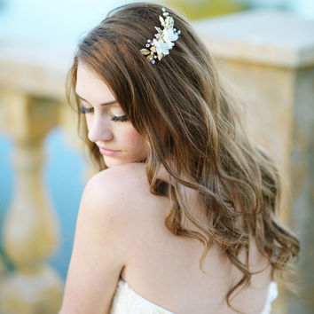 Bridal pearl flower headpiece - style 1107