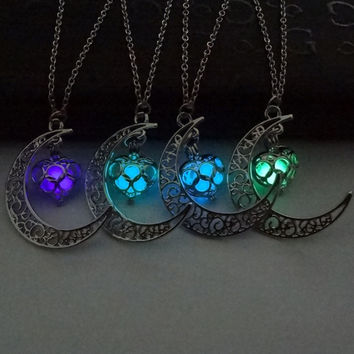 2016 New Fashion Luminous Glow In the Dark Necklace Sailor Moon Pendant Necklace For Women Free Shipping