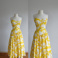 70s floral yellow sundress - vintage 1970s rose flower print - white mustard cotton - strapless sun dress - maxi long -