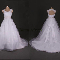 white lace and tulle applique wedding dress with train unique sweetheart strap bridal dress long beaded crystals wedding gowns affordable