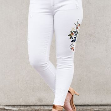 Averie Embroidered Pants (White)
