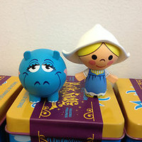 It's a Small World Dutch Girl with Hippo Park Starz 2 Vinylmation with Tin