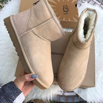 PEAP UGG AUTHENTIC CLASSIC MINI SAND BOOTS