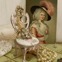 Vintage pink Chair jewelry display holder Marie Antoinette shabby distressed decorative French style