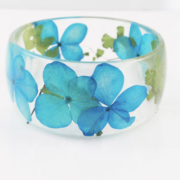 Real flower Bracelet -Size M- Resin Bracelet, Resin bangle bracelet, Chunky Thick Rounded Bangle, Real Plant Bracelet, Hydrangea & Fern