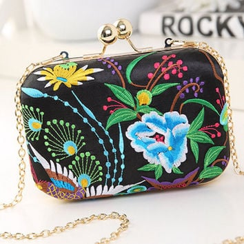 Streetstyle  Casual Embroidery Blue Floral Evening Hand Bag