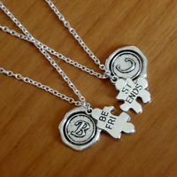 Set of 2 best friends necklaces with initial name letter, BFF Puzzle Necklaces, Sisters, couples, boyfriend girlfriend gift Valentine Gift