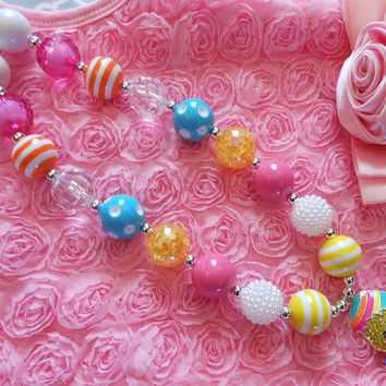Easter Chick Chunky Necklace-Easter Chunky Bubblegum Necklace, Girls Easter necklace, Toddler Chunky Necklace,  cake smash, photography prop
