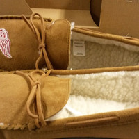 NHL Detroit Red Wings Men's Moccasins / Slippers