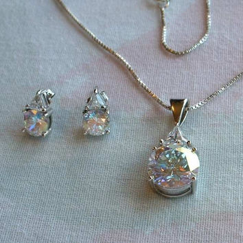 UTC Brilliant Cut CZ Set Trilliant Sterling Silver Venetian Box Chain Jewelry