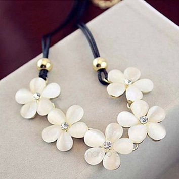 Elegant Women Lady Crystal Rhinestone Bib Statement Flower Collar Necklace Fashion Jewerly = 1958356868