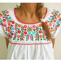 Mexican Floral Embroidered Peasant Top Blouse Round Neck