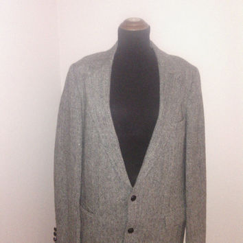 Vintage 1970's Scottish Wool/ Harris Tweed Men's42  Suitcoat/Jacket. 2 button front   -3 button cuff.2 hip pockets one breast pocket