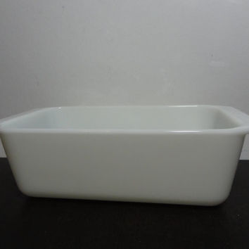 Vintage Pyrex Milk Glass White Loaf Pan - Retro Bakeware/Cookware