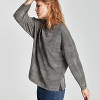 CHECK SWEATER DETAILS