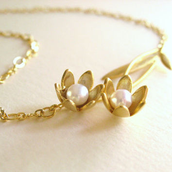 Pearl Gold Flower Necklace, Gold Floral Necklace, Bridal Wedding Necklace