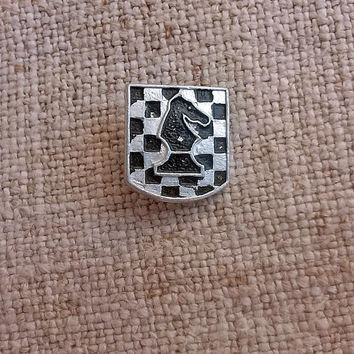 Сhess horse knight Vintage sports badge Chess pieces Retro sport lapel pins Old coach team member Chess board Game Pieces Chessmen game