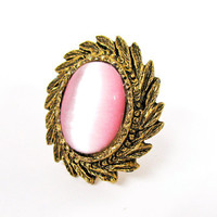 Vintage  Pink Moonglow Ring, Marie Anoinette Style - Bague Rose.