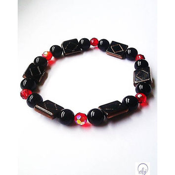 Black Bead and Red Crystal Elegant Stretch Bracelet - Upcycle Jewellery