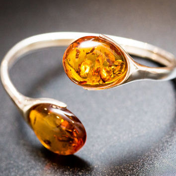 Incredible Amber Bangle, silver, cognac amber, sterling silver, bangle bracelet, amber bracelet, amber jewelry, jewlry, jewellery, silver